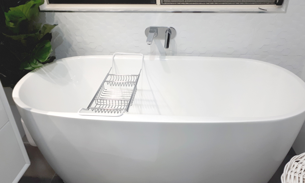 Free-Standing Bathtub with Tiled Feature Wall