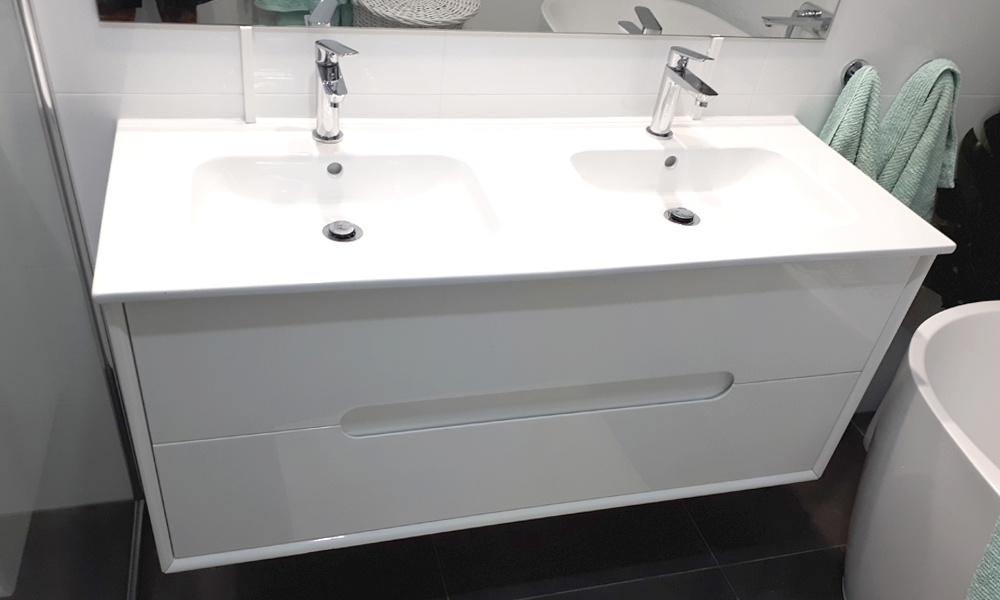 Double-Basin Prefabricated Bathroom Vanity