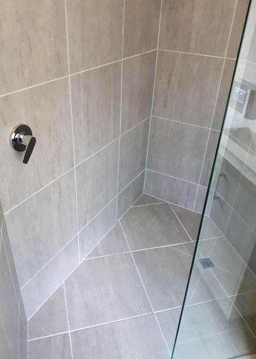 Asymmetrical Shower