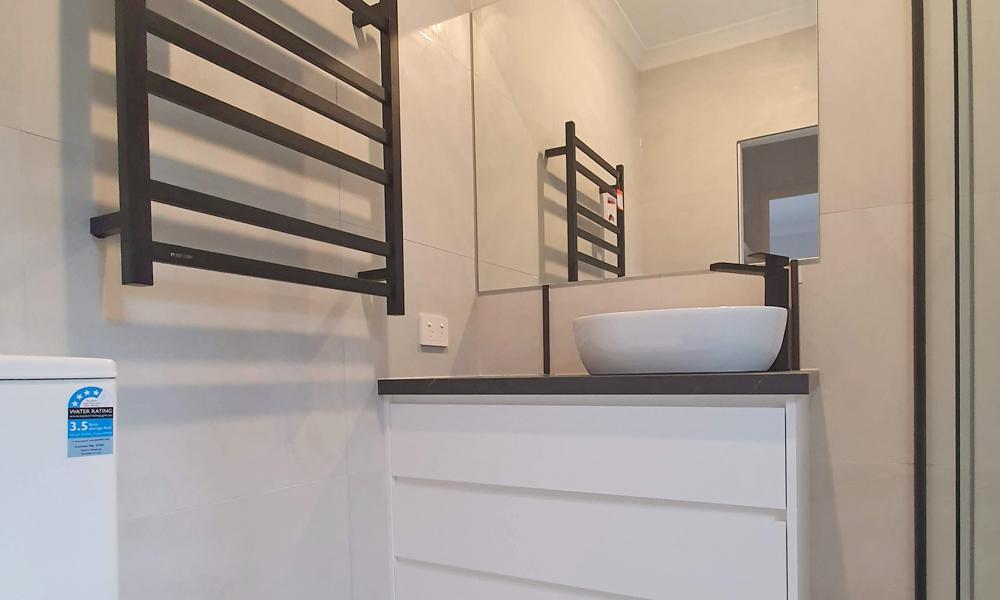 Black & White Bathroom Style