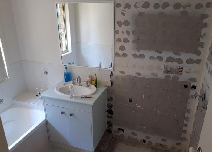 Chic Bathtub Demolition #1