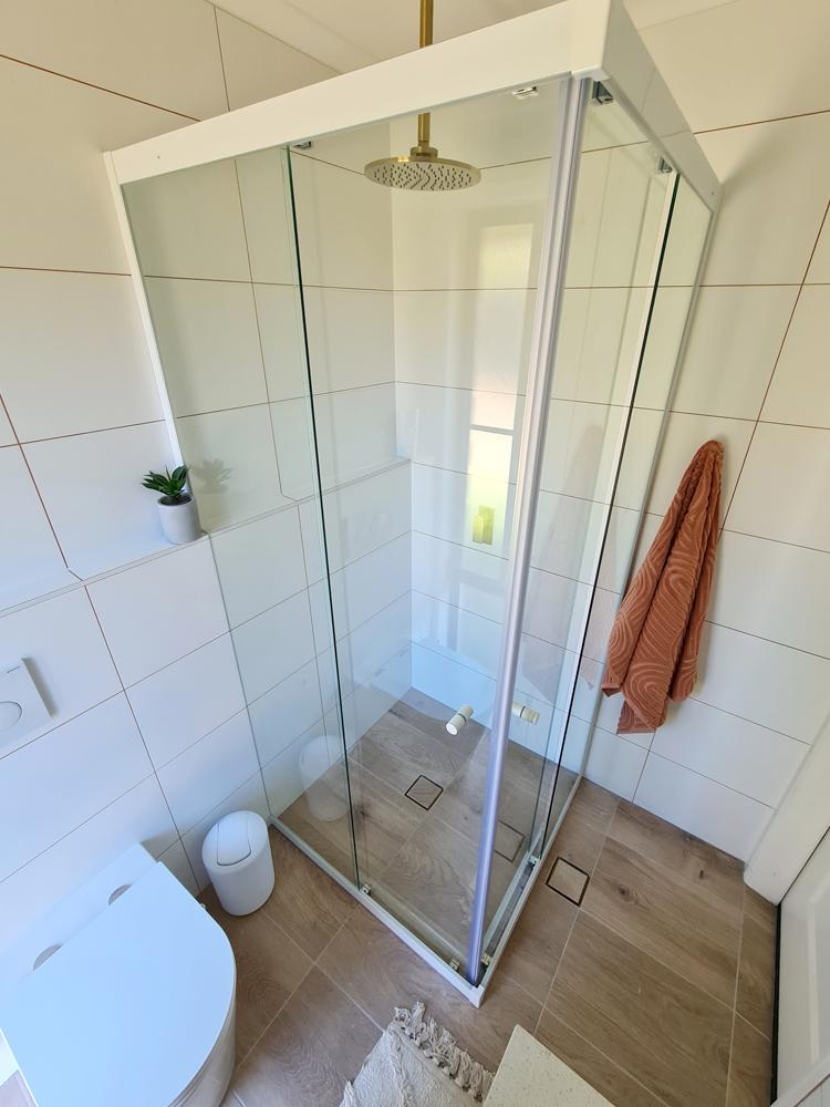 Double Sliding Shower