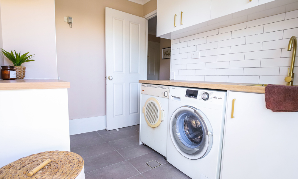 Laundry Feature Tiling