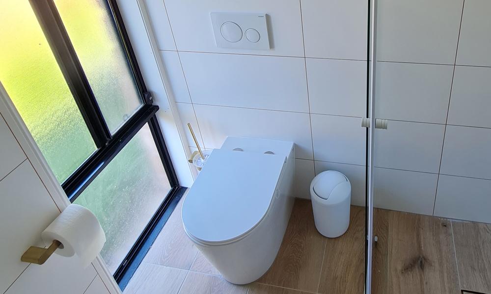 Wall-Mounted Cistern
